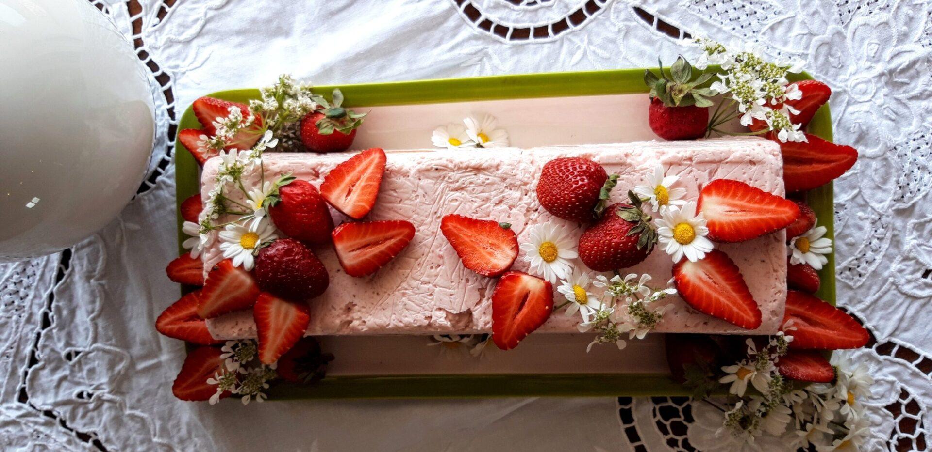 Μπαβαρουάζ με φράουλες