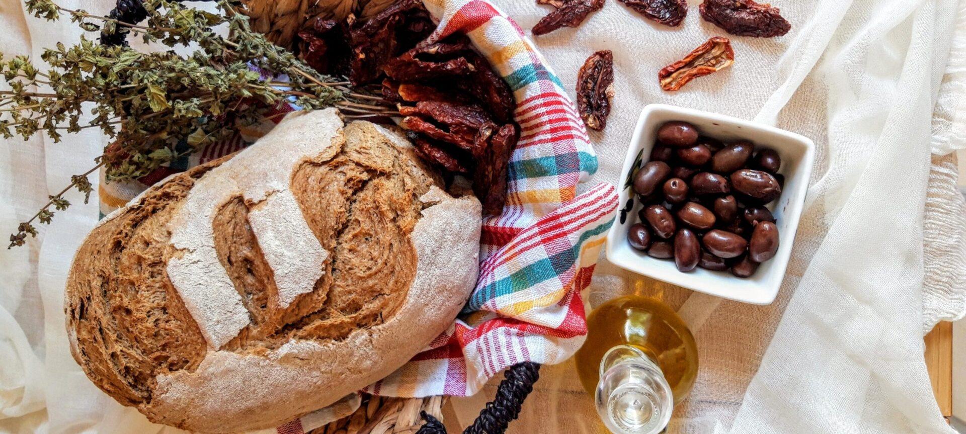 Ψωμί ολικής αλέσεως στη γάστρα χωρίς ζύμωμα