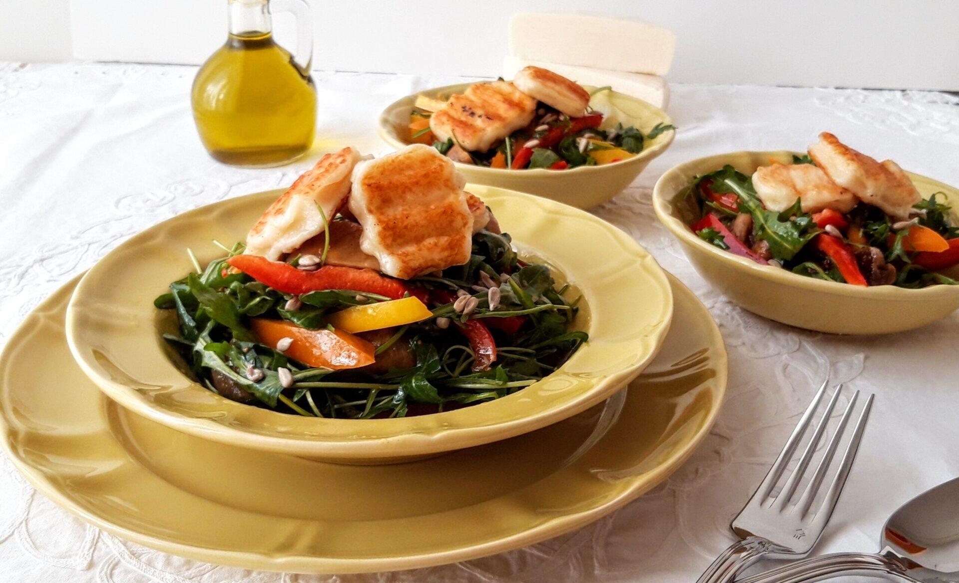 Σαλάτα με ρόκα ,αποξηραμένα σύκα και τυρί Μαστέλο