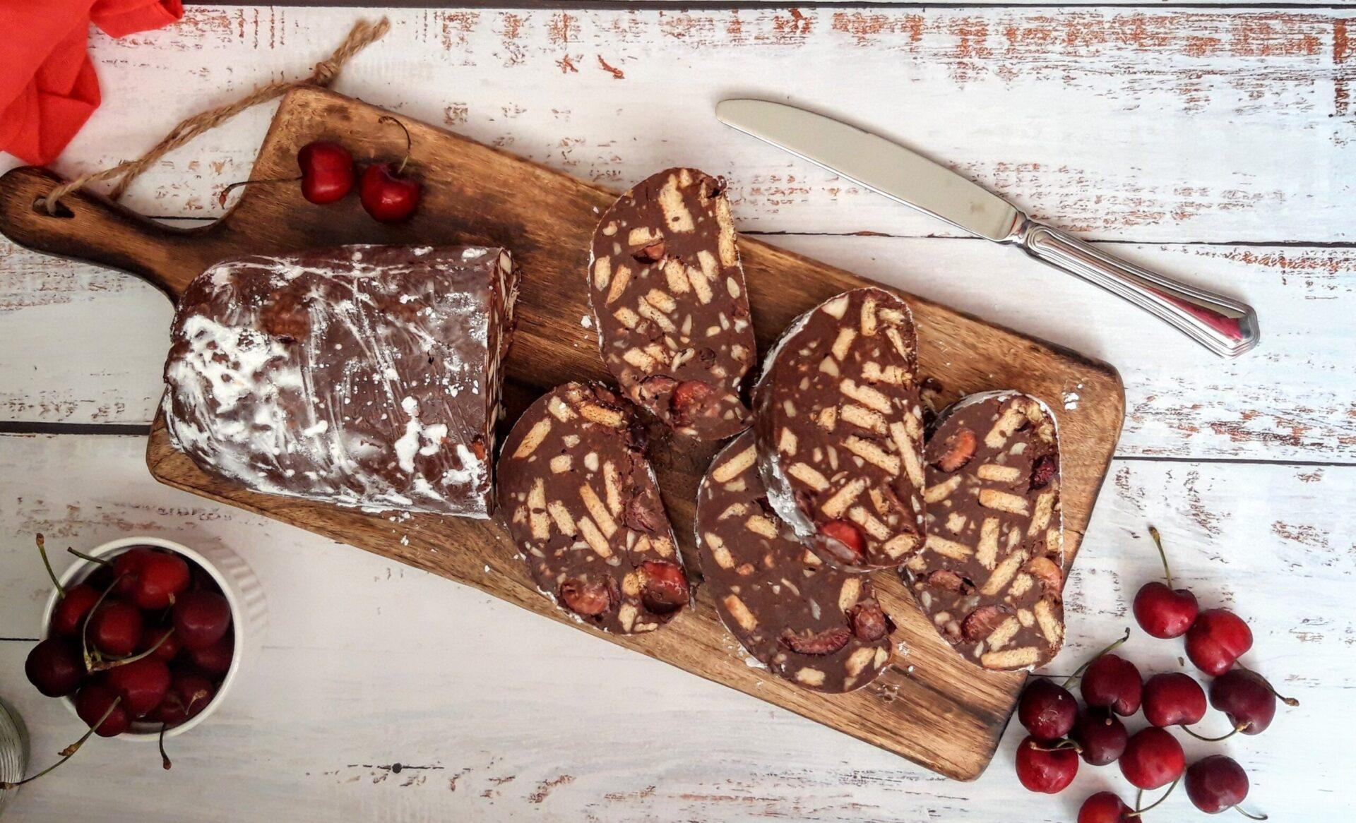 Μωσαϊκό με σοκολάτα και κεράσια