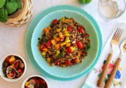Σαλάτα με φακές και λαχανικά