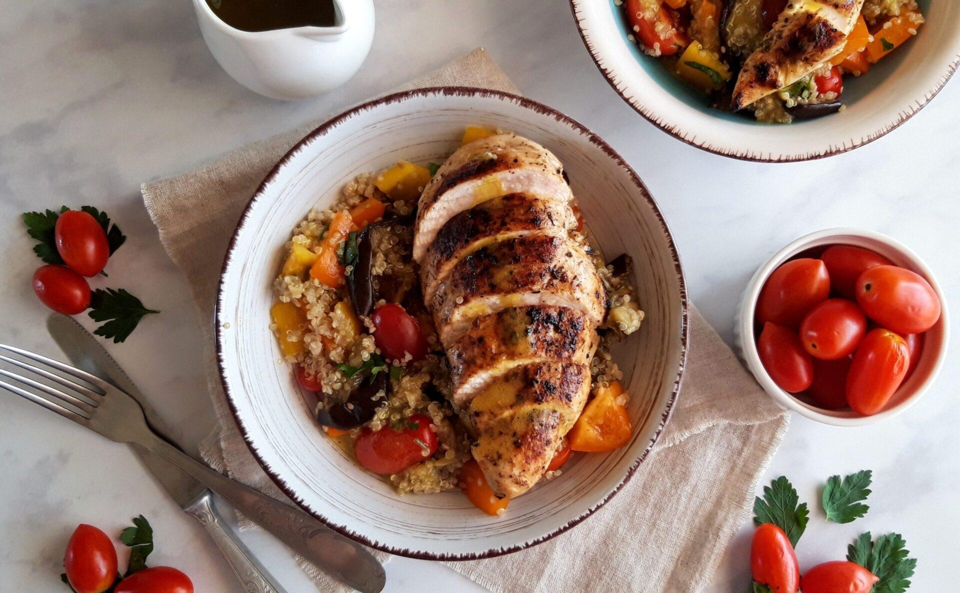 Κοτόπουλο σωτέ με κινόα και λαχανικά